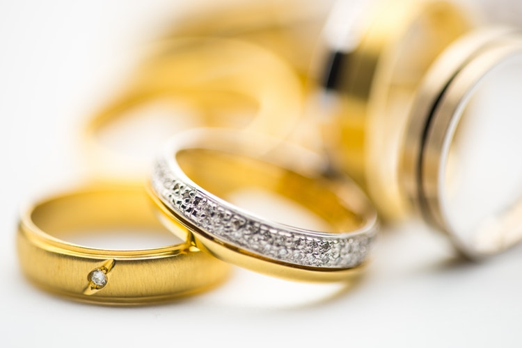 Gold or diamonds investments