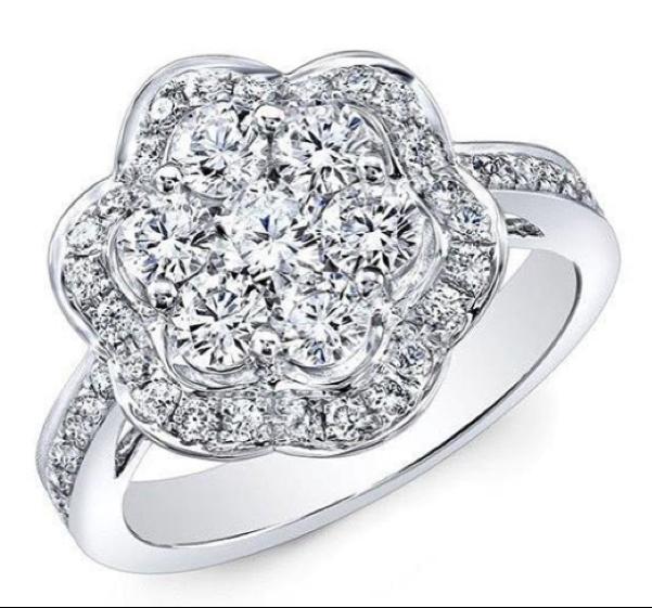 Flower-shaped diamond engagement ring